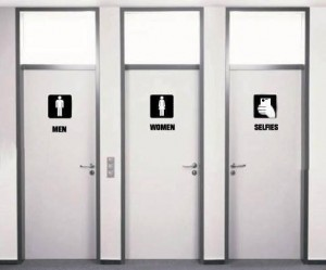 selfie bathroom